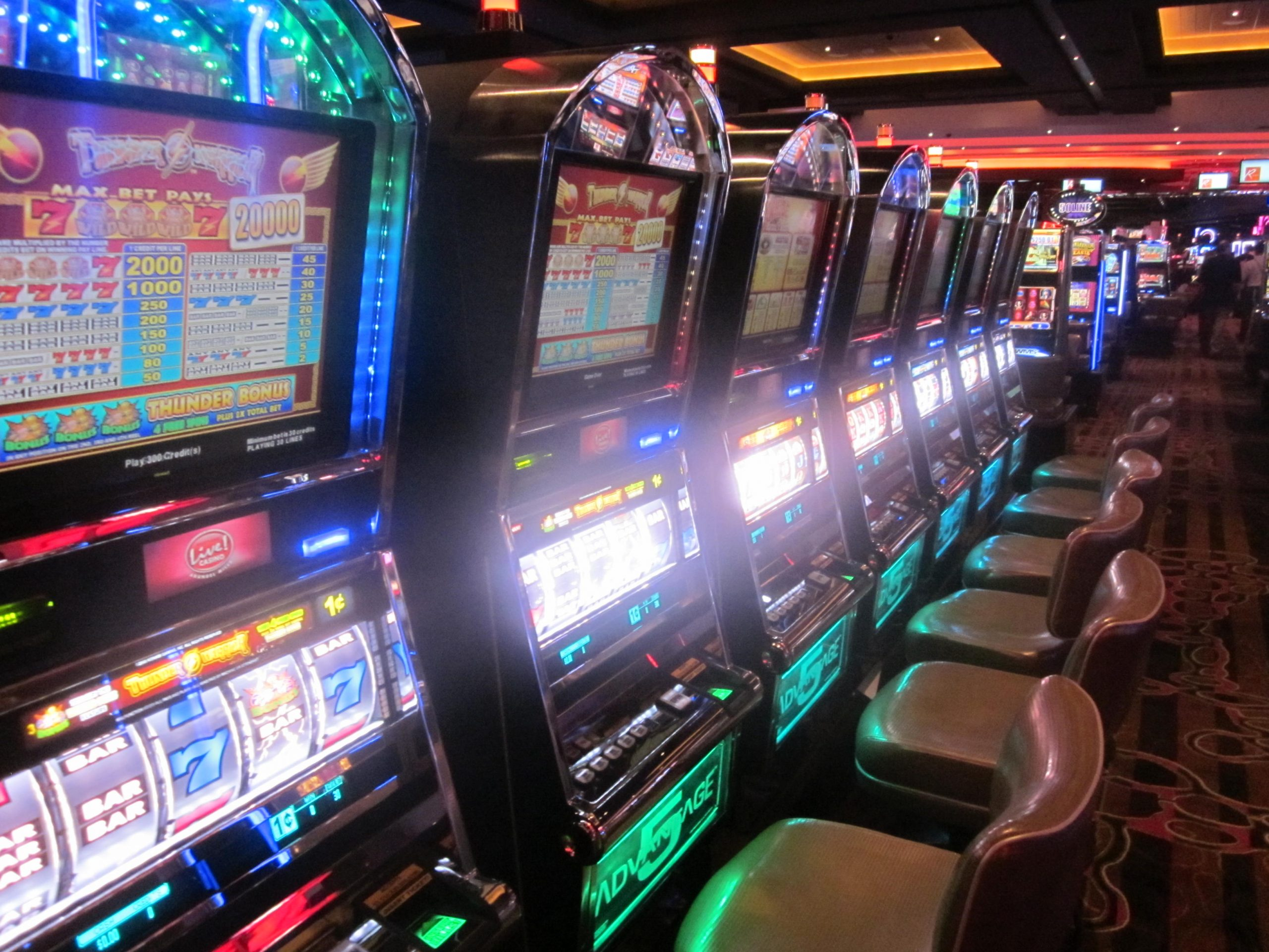 What Are Various Privileges A Person Enjoy With Playing Online Slot?